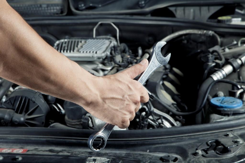 Automobilio remontas, diagnostikos įraga, įrankiai