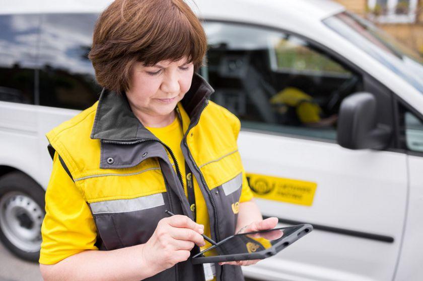 Dar 54 tarnybiniai automobiliai pasieks mobilius laiškininkus