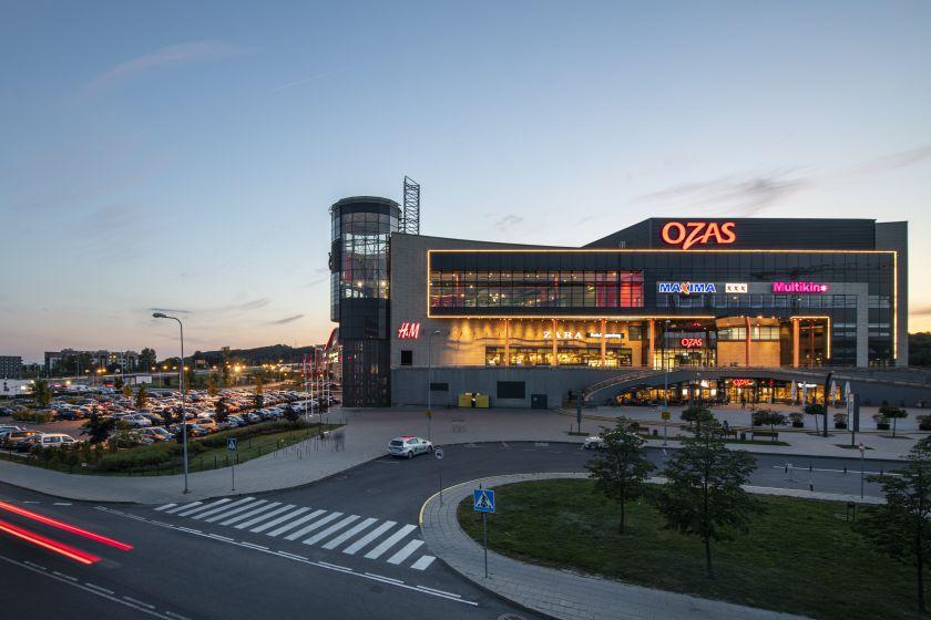"""""""Ozo"""" savininkai """"NEPI Rockcastle"""" aukoja Raudonajam kryžiui, nuomininkai Lietuvoje – medikams"""