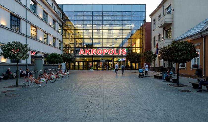 """Kauno """"Akropolyje"""" šeštadienį pradėjo veikti visos parduotuvės: pirkėjai elgėsi sąmoningai ir atsakingai"""