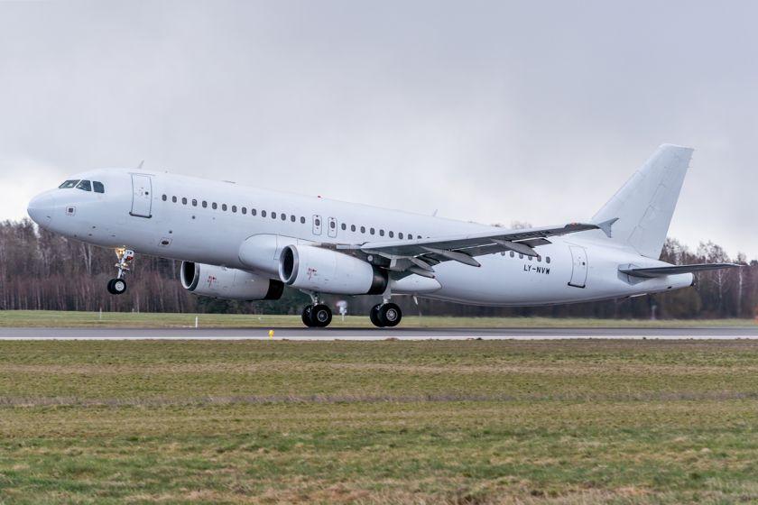 Lietuvos oro uostai telkia pajėgas keleivinių reisų grįžimui į šalį