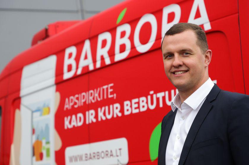 """Daugėjant COVID-19 atvejų, """"Barbora"""" grįžta prie bekontakčio prekių pristatymo ir kitų griežtų saugumo priemonių"""