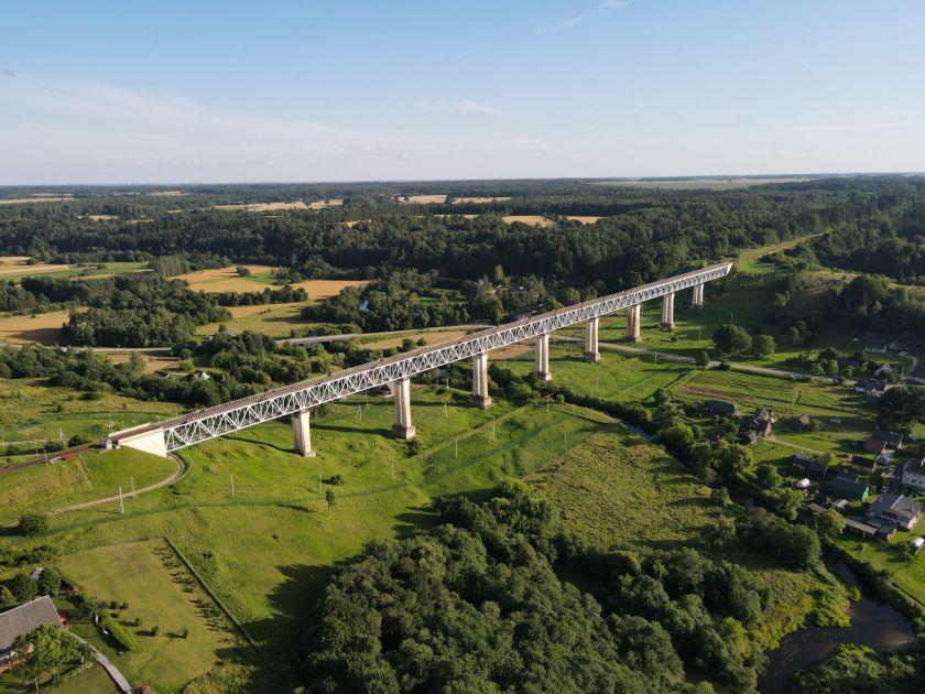 """UAB """"Švykai"""" remontuos didžiausią tiltą Lietuvoje - Lyduvėnų geležinkelio tiltą"""