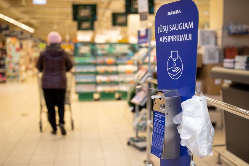 """""""Maximos"""" prašymas pirkėjams: į parduotuves eikite kuo rečiau"""