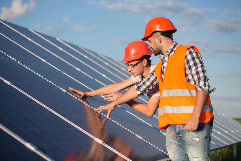 Veiklą pradeda pirmoji specializuota saulės elektrinių priežiūros bendrovė Lietuvoje