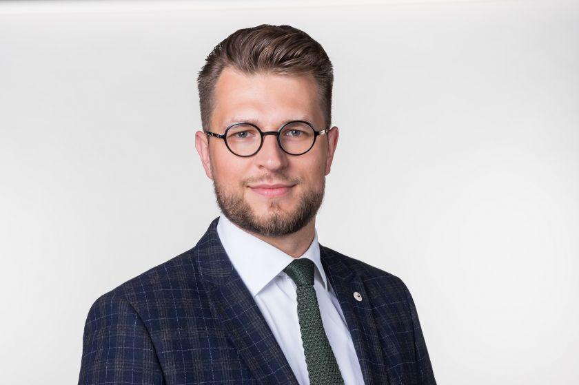 Seimo nario Luko Savicko kreipimasis į Vyriausybę dėl stringančios paramos smulkiesiems ir vidutiniams verslininkams
