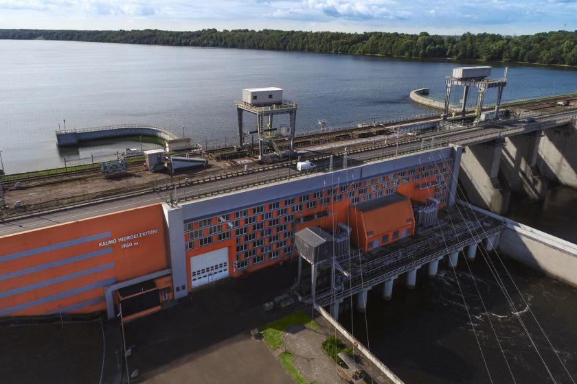 Didėjant Nemuno debitui, Kauno hidroelektrinė didina elektros energijos gamybą