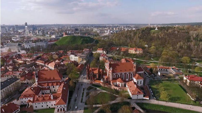 """Efektyvindami veiklą, """"Vilniaus vandenys"""" parduoda dalį nenaudojamų Bernardinų sode veikiančios Sereikiškių vandenvietės statinių"""