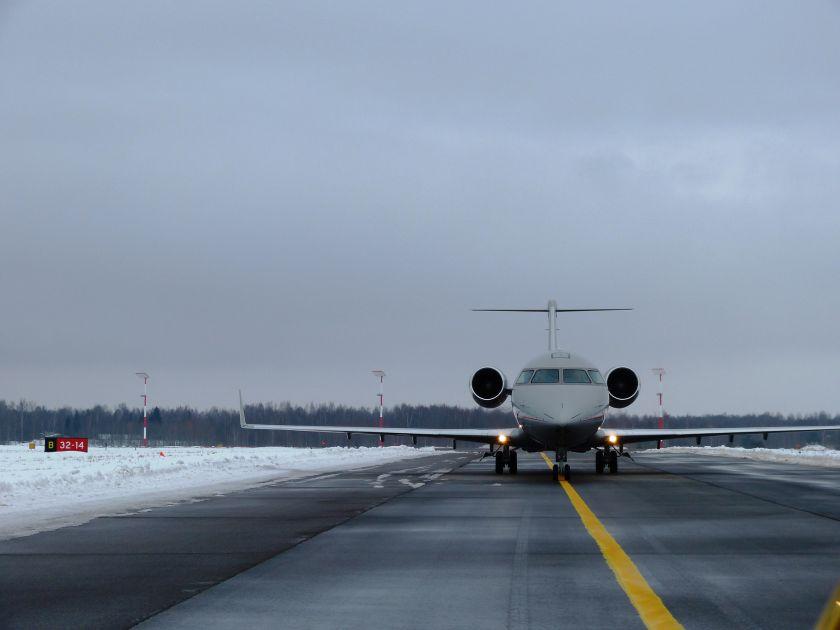 Žiemos pasaka ar aviacijos košmaras: Šiaulių oro uostas vertina žiemos padarinius
