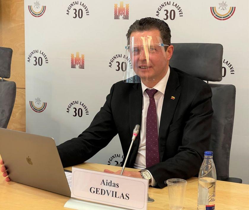 Seimo nario Aido Gedvilo pranešimas: po parlamentaro kreipimosi į Vyriausybę bus praplėstas paramą gausiančių individualiai dirbančių asmenų ratas