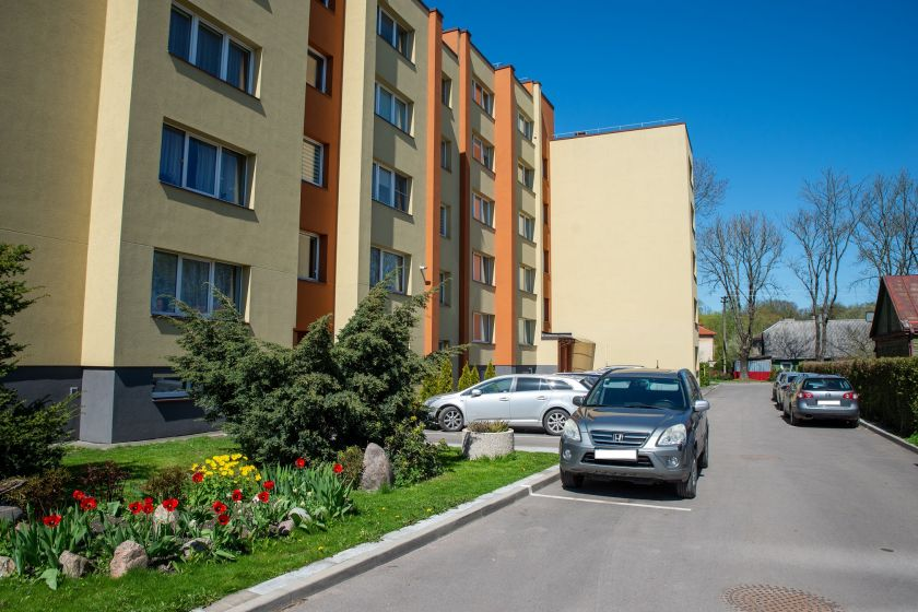 """Dar viena galimybė atnaujinti namų aplinką: Kaunas skelbia papildomą kvietimą programoje """"Svajonių kiemas"""""""