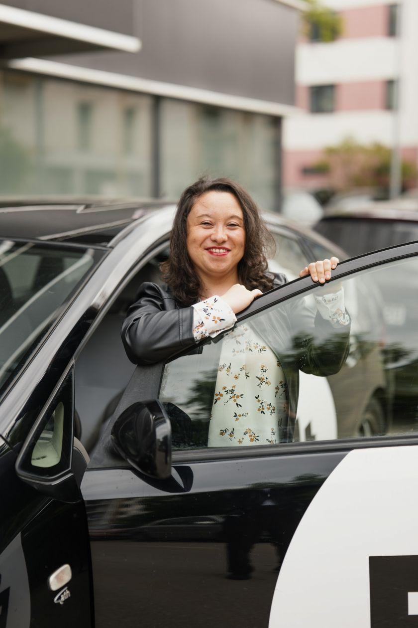 """Dvejus metus vairuojanti pavežėja: """"Jei siūlytų už tuos pačius pinigus dirbti biure, atsisakyčiau"""""""