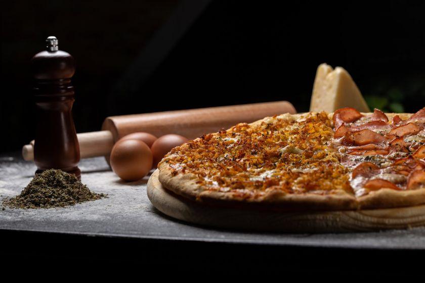 Visa tiesa apie picą su šefu Demarco: kodėl jos nereikėtų gardinti ananasais ir kaip ją tobulai pasigaminti namuose?